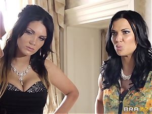 Peeking assistant penalized by Emma Leigh and Jasmine Jae