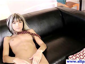 Randy nubile Doris Ivy fingers her moist coochie after class
