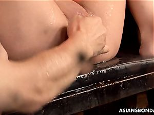 asian cockblower got her hefty cunny greased and toyed