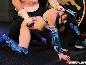 Aria Alexander finishes her opponent Charles Dera