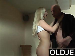 wild Morning fucky-fucky elderly youthfull porno girlfriend plumbed jism