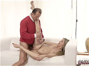 senior boys group sex youthful dame and man pummels dame Stranger in a massive house knows how to