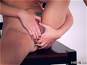 curvy Brett Rossi uses her new plaything to satisfy herself