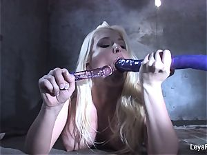 Leya Falcon catapults hump playthings in both her fuck holes