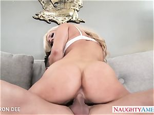 fine blondie Cameron Dee gives deep throat