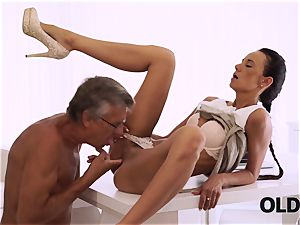 OLD4K. ideal secretary tempts old boy to get another promotion