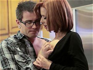 Mean mommy Veronica Avluv pulverizes her daughter's boy