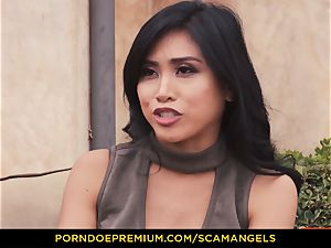 SCAM ANGELS - Melissa Moore and super-hot pals in 4some