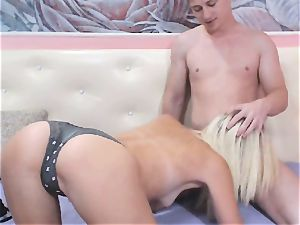 lean blonde lady Gets a scorching creampie