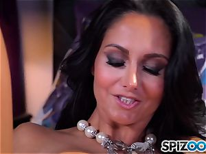 Ava Addams frees her ample boobs