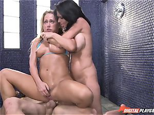 Carter Cruise nearly passes out from extreme climax with Veronica Avluv