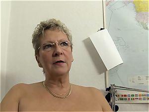 xxx Omas - blond German grannie enjoys messy office hook-up