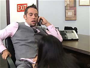 super-fucking-hot boss Jessica Jaymes gives her employee some incentives