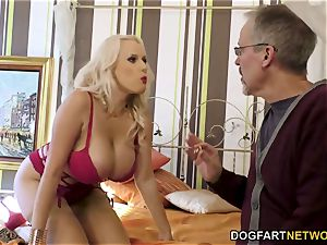 Czech cougar Angel Wicky Wants anal invasion orgy With A bbc