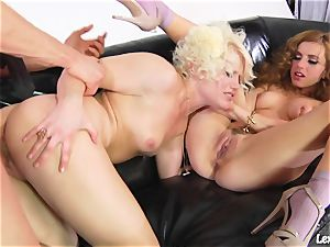 Lexi Belle get her vagina munch and friend got doggy nail