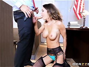 Jessica Jaymes slobbers over a lawyers enormous knob