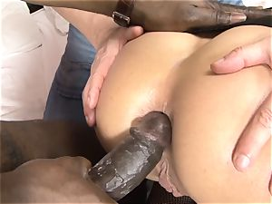 Invited a stranger cheating trainer to bang blondie wifey