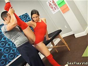 Flexi Bella Danger fuck-fest gymnastic