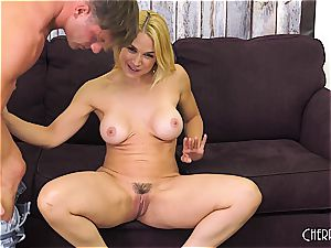 Sarah Vandella plumbs on cam and toys her pussy to orgasm