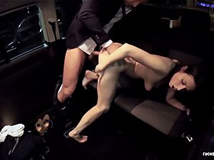 romped IN TRAFFIC - steaming car drill with uber-sexy Czech babe