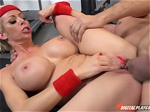 super-hot cougar Alexis Fawx fellating lollipop at the gym