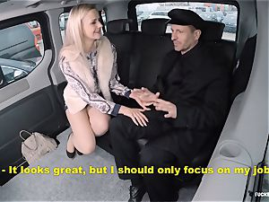 boinked IN TRAFFIC - super hot backseat hookup with Czech light-haired