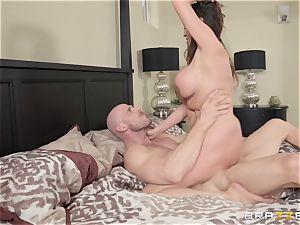 Ariella Ferrera getting tucked by Johnny