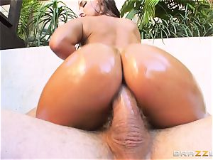Amirah Adara getting her tight tiny caboose boinked
