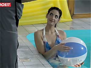 LETSDOEIT - sonny pulverizes StepMom And sis At The Pool