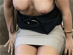Eva Lovia pumping her fuckbox with a glass faux-cock