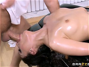 Vicki haunt has a final fling with the massagist