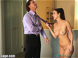 Dillion Harper boinked by her step parent