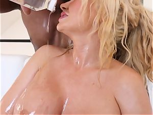 busty towheaded Summer Brielle plumbed deep in her oily twat