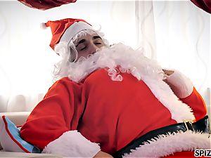 Spizoo - watch Jessica Jaymes pounding Santa Claus